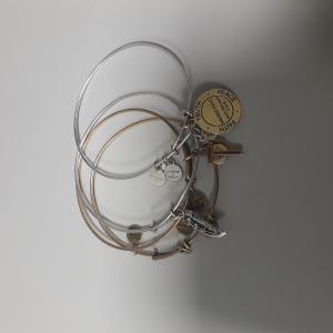 LF 3352 four Bracelets